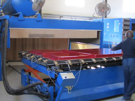 Single Shuttle 3200 Polytech Thermoforming